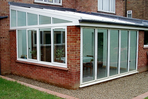 Lean-to conservatory